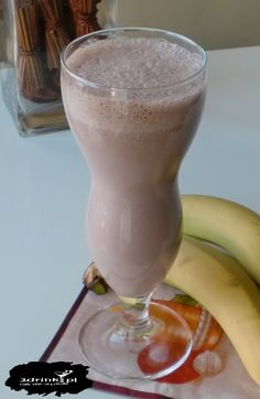 Choć pora nie jest najlepsza na zimne napoje – zapraszam na pyszny czekoladowo-bananowy shake.
