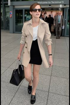 Emma Watson | Trench + Black & White: simply perfect!
