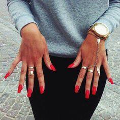 #rednails #rings #gold