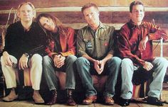Eagles band members Joe Walsh, Timothy B. Schmit, Don Henley, and Glenn Frey Top R&b Artists, Great Artists, Music Artists, Great Bands, Cool Bands, Eagles Band Members, Eagles Take It Easy, Glen Frey, History Of The Eagles