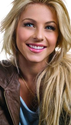 Julianne Hough: One of my favorite actresses. She's simply amazing & I love her. <3
