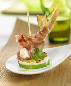 Tapas y Montaditos – Página 11 – Delicooks Seafood Recipes, Gourmet Recipes, Gourmet Appetizers, Gluten Free Puff Pastry, Crudite, Think Food, Weird Food, Appetisers, Creative Food