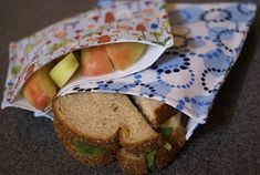 Two Boys and a Beagle: Reusable Lunch and Snack Bags Reusable Sandwich Bags, Mama Cloth, Menstrual Pads, Snack Bags, Cloth Diapers, Sandwiches, Lunch, Snacks, Beagle
