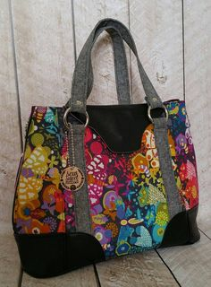 Harriet expandable tote by swoon in ex libris art theory