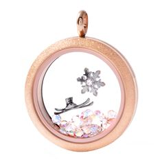 LOVE the look of the new sparkle locket!! #origamiowl #o2holidaystyle Origami Owl Holiday 2014