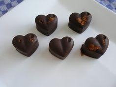 lidt om alt - og meget om mad: julelækkerier #2: chokolader med kanel & mandler