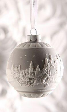 1 million+ Stunning Free Images to Use Anywhere Christmas Love, Christmas Balls, Christmas Colors, Beautiful Christmas, Christmas Holidays, Beaded Ornaments, Handmade Christmas Decorations, Diy Christmas Ornaments, Thanksgiving
