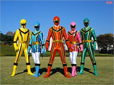 Power Rangers Fan Art, Power Rangers Mystic Force, Power Rangers Ninja Storm, Pink Power Rangers, Power Rengers, Sideshow Collectibles, Kamen Rider, Cartoon, Derby Cars