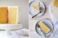 Cómo hacer una tarta de cumpleaños muy original, con capas verticales. Tarta de cumpleaños diferente paso a paso, receta para layer cake vertical.