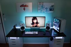 Having a best rigs for gaming setup is everyone's dream. This gamer's guide will show you best gaming setup, enjoy! Setup Desk, Gaming Computer Setup, Simple Computer Desk, Gaming Room Setup, Pc Desk, Home Office Setup, Best Gaming Setup, Pc Setup, Office Ideas
