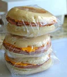 FOOD AND COOK : FREEZER BREAKFAST SANDWICHES