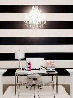Se você deseja um espaço mais largo, não deixe de optar pela decoração com listras na parede horizontal, o resultado vai ser incrível!