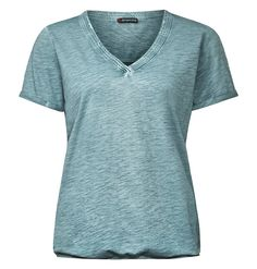 Washed-Look V-Neckshirt Leya    Vintage-Wash Shirt mit V-Ausschnitt und Rückenteil aus Crepe-Chiffon: das Modell Leya von Street One. Die leichte Shirt mit breiter, gesteppter Blende am schmeichelnden V-Ausschnitt hat schmale Aufschläge an den kurzen Ärmeln. Die lebhafte Vintage-Wash Optik mit leichtem Batik-Touch wird an Ärmeln und Vorderteil durch den lebhaft geflammten Cottonjersey noch unte...