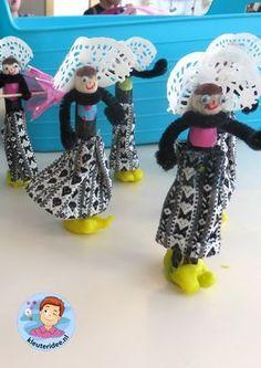 Zeeuwse klederdracht knutselen met kleuters 2, kleuteridee Vans Top, Crafts For Kids, Arts And Crafts, The Old Days, Art Club, Creative Kids, Netherlands, Minnie Mouse, Craft Projects