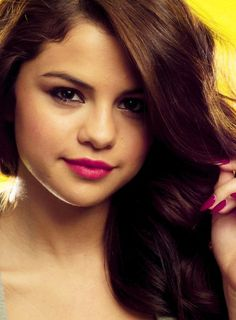 Gomez talked about growing up, music and her relationships with ex-boyfriend Justin Bieber and best friend Taylor Swift in a recent interview with The Associated Press. Selena Gomez Photoshoot, Selena Gomez Style, Photoshoot Ideas, Boyfriend Justin, Amazing Songs, Marie Gomez, Cosmic Girls, Popular Hairstyles, Female Singers