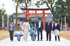 上賀茂神社で兄弟が着物で七五三の写真 Rite Of Passage, Japan, Okinawa Japan