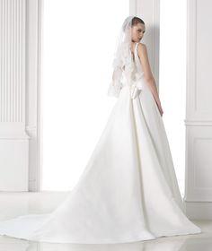 MAGAMI - A-line wedding dress. Collection 2015 COSTURA | Pronovias