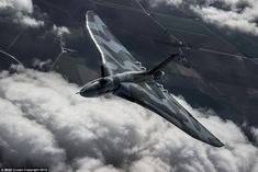 Avro Vulcan XH558 prepares for its final flight with a tour of the UK - love thi amazing aircraft. . .