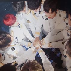 Wanna one Fighthing You Are My World, You Are My Life, Idol 3, Nct Taeil, Nu Est Minhyun, Ong Seung Woo, Chaeyoung Twice, Lai Guanlin, Produce 101 Season 2