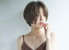 Pin on 髪型 Medium Hair Styles, Curly Hair Styles, Natural Hair Styles, Hair Medium, Girl Short Hair, Short Hair Cuts, Short Hair Tomboy, Pixie Cuts, Pelo Ulzzang