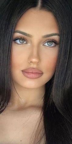 Pretty Girls, Sexy, Woman, Nice, Makeup, Beauty, Beautiful, Fashion, Brunettes