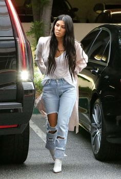Kourtney Kardashian In Ripped Jeans Out In Calabasas - January 03, 2017