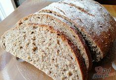 Směs různých muk. Skvělý, měkký a chutný chlebíček s křupavou kůrkou. Autor: Triniti Bread, Food, Author, Breads, Bakeries, Meals