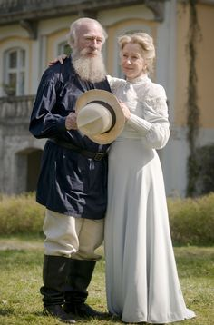 Leo Tolstoy and Sofya Tolstoya - Christopher Plummer and Helen Mirren in The Last Station.