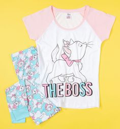 Sleepwear with aristo-cat-ic flair? Sounds purr-fect to us. Let everyone know who\'s boss with this adorable Marie PJ set. Perfect for lady-like lounging, cat naps and snuggling up to watch The Aristocats on repeat of course! Disney Pajamas, Cute Pajamas, Girls Pajamas, Disney Outfits, Retro Outfits, Disney Clothes, Duvet Day, Marie Aristocats, Night Suit