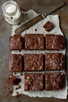 Salted Caramel Brownie Bars| mybakingaddiction.com