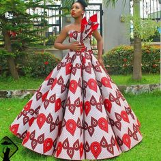 afrikanische hochzeiten This sophisticated Ankara ball dress is available in US size Modification to style is allowed at no extra cost. It's also available in several other Ankara prints. We ship worldwide We offer drop shipping Processing takes African Fashion Ankara, Latest African Fashion Dresses, African Print Fashion, Ankara Long Gown Styles, Ankara Gowns, Ankara Dress, African Prom Dresses, African Dresses For Women, Ankara Styles For Women