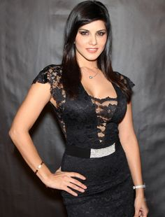 30d8b4393 Sunny Leone is synonymous with controversies and she really enjoys every  bit of it!-The recent one being 'Laila Controversy'. Sunny Leone has  performed on a ...