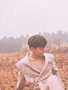Waiting For Baby, Exo Official, Xiuchen, Kim Jongdae, Beige Aesthetic, Kpop, Chinese Boy, Beautiful Moments, Baekhyun