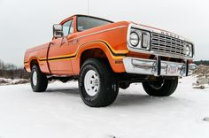Truckin' A Right: This 1978 Dodge W100 Power Wagon . My truck that I would take in the everglades and also use for work.