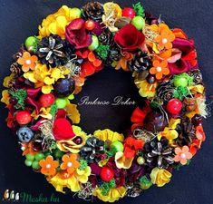 Őszi kopogtató  (26 cm) KÉSZTERMÉK (pinkrose) - Meska.hu Wreaths, Halloween, Home Decor, Decoration Home, Door Wreaths, Deco Mesh Wreaths, Interior Design, Garlands, Home Interior Design