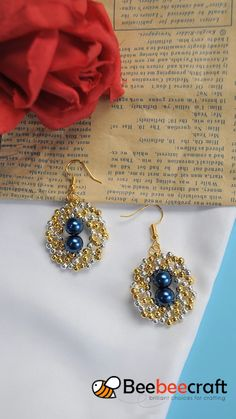 Beebeecraft Tutorials on making dangleearrings with iron seedbeads and pearlbeads. Bead Jewellery, Seed Bead Jewelry, Seed Beads, Wire Jewelry, Beaded Earrings Patterns, Beading Patterns, Bead Earrings, Beaded Necklace, Jewelry Crafts