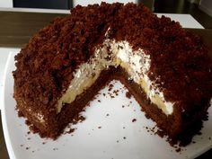 Jedno z najpyszniejszych ciast na świecie, kiedyś robiłam je z paczki ale od kiedy zaczęłam piec swój domowy kopiec tamten kartonikowy może się schować. Sweets Cake, Coleslaw, Sweet Recipes, Tiramisu, Nom Nom, Food And Drink, Cupcakes, Apple, Baking
