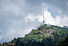 The Rigi Massif offers no less than 120 kilometers of hiking and climbing routes suitable for taking a simple walk to climbing a mountain. Cn Tower, Switzerland, Statue Of Liberty, Climbing, Paris Skyline, Hiking, Queen, Mountains, Travel