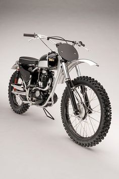 3 Factors to Have a Bike and also Use a Bicycle Cargo Trailer - Bike riding Enduro Vintage, Motos Vintage, Vintage Motocross, Vintage Bikes, Tracker Motorcycle, Scrambler Motorcycle, British Motorcycles, Vintage Motorcycles, Bobbers