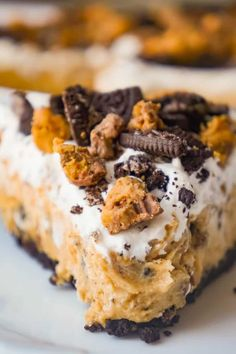 No Bake Oreo Peanut Butter Cup Cheesecake - This is Not Diet Food Peanut Butter Dessert Recipes, Peanut Butter Cup Cheesecake, Fudge Recipes, Candy Recipes, Pudding Recipes, Baking Recipes, Thanksgiving Desserts Easy, Easy Desserts, Delicious Desserts