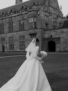 The elegance of a draped back and short veil on Stephanie. Read more about this stunning wedding on December Wedding Dresses, Modest Wedding Dresses, Bridal Dresses, Short Veil, Photo Couple, Princess Wedding, Cinderella Wedding, Mermaid Wedding, Wedding Goals