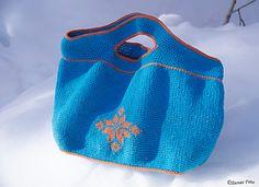 Sivvas Stjernedrøm pattern by Siv-Helen Alterskjær Bucket Bag, Pattern, Bags, Design, Fashion, Handbags, Moda, La Mode, Dime Bags