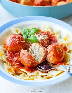 Meatballs in Tomato Sauce Winter Warmers, Tomato Sauce, Tasty Dishes, Potato Salad, Food And Drink, Meat, Cooking, Ethnic Recipes, Kitchen