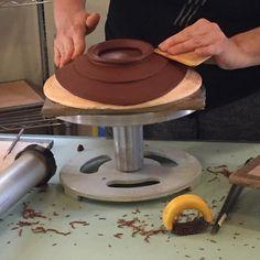Learning a new way to make plates with Birdie Boone at Idyllwild Arts Hot Clay. Day 1. #hotclay #potsinaction #idyllwildarts #birdiebooneceramics #handbuilt #pottery