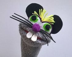 basteln Mouse Sock Puppet Hand Puppet with moving mouth fun & education Felt Finger Puppets, Sock Puppets, Hand Puppets, Sock Crafts, Puppet Crafts, Horse Crafts, Hand Socks, Bird Puppet, Puppets For Kids