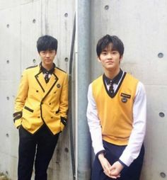Jaemin : *Why were not  taking picture closer? *#sobsob*  Mark : ...