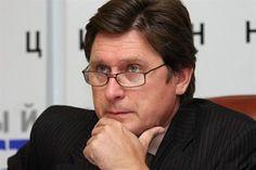 Путин пытается через Запад заставить Украину капитулировать, — Фесенко http://dneprcity.net/ukraine/putin-pytaetsya-cherez-zapad-zastavit-ukrainu-kapitulirovat-fesenko/  Ключевые вопросы в отношении безопасности в зоне конфликта в Донбассе до сих пор остаются нерешенными: это передача российско-украинской границы под контроль ОБСЕ и установление перемирия. Очевидно, что до обеспечения устойчивого