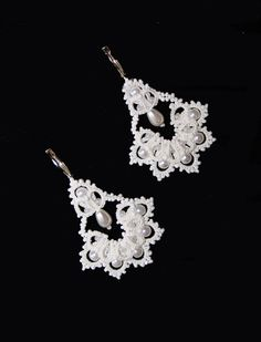 "English tutorial for tatting lace earrings - shuttle lace- photos, instructions  Tatting ""The Bells"" earrings. Pattern and Tutorial.  Frivolite lace"