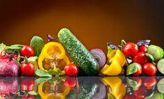 Se consumir cada alimento na época própria, aproveita todo o seu sabor e tira maior partido da relação qualidade/preço. Estes são os vegetais e as frutas que deve preferencialmente adquirir este mês.