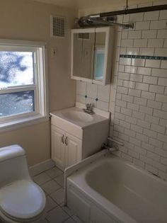 West Seattle $1250 Admiral District Apartment